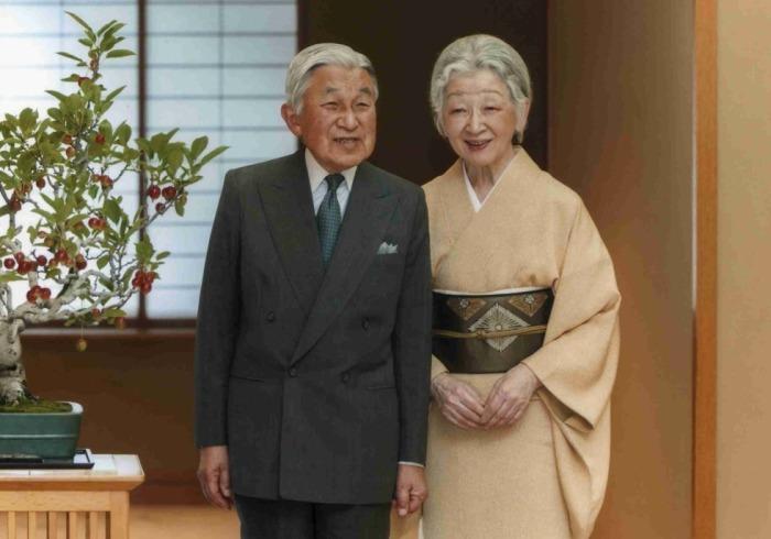 император Акихито и Митико
