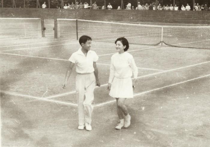 знакомство Акихито и Митико