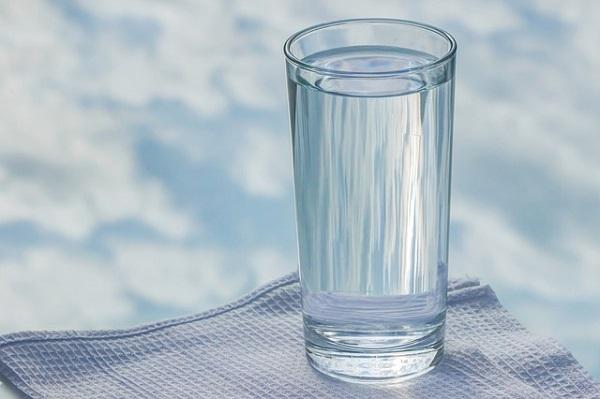 стакан воды перед едрй
