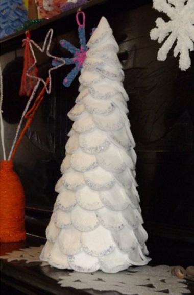 елка из ватных шариков
