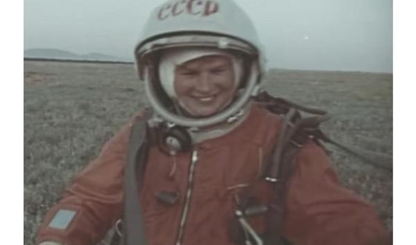 женщина космонавт Валентина Терешкова