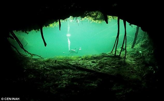 Останки Евы найдены 386 метров под поверхностью Naharon cenote в пещерной системе Мексики