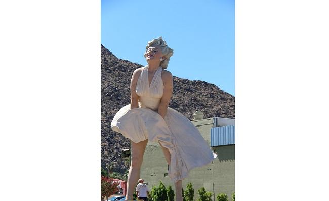 Мэрилин Монро памятник в Калифорнии