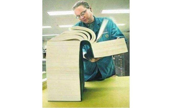 книга из 10 000 листов